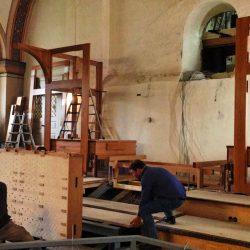 Aufbau der neuen Baumhoer-Orgel in der Erlöserkirche, Lüdenscheid